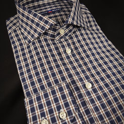 the business shirt, 100% cotton, Spread collar, two buttoned cuffs